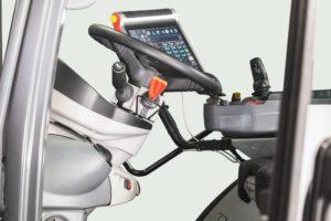 M7003_Studio_Steering Wheel2